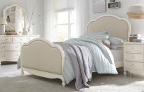 Victoria Upholstered Panel Bed Full